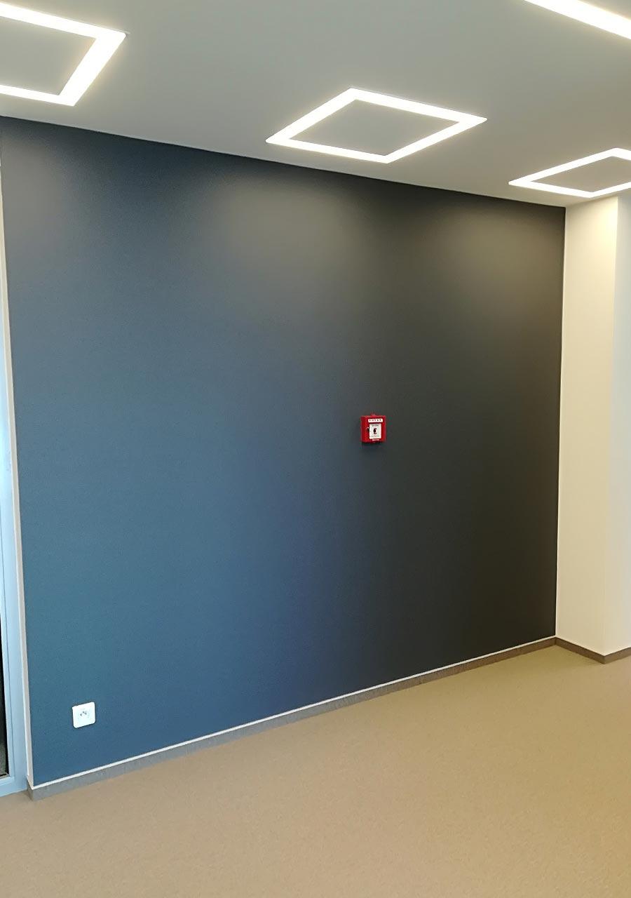 Grafitowe malowanie biura, świetny efekt
