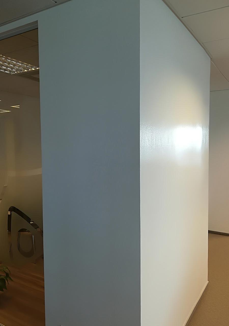 Malowanie powierzchni suchościeralnej (zamiast flipcharta lub tablicy na ścianę)